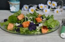Salade au saumon et vitelotte