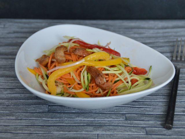 Salade courgette poivron poulet