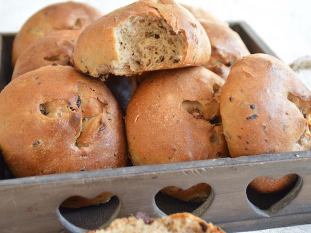 Petits pains aux noisettes et au chocolat